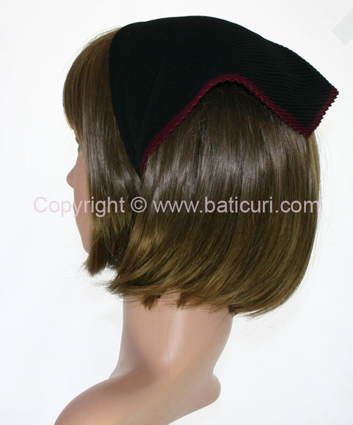 101-09 Italian Pleated with Maroon border-Black